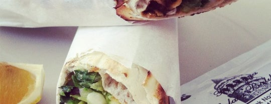 Füreyya Galata Balıkçısı is one of Istambul food.
