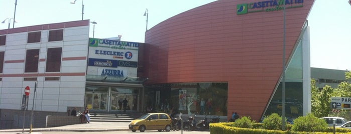 Centro Commerciale Casetta Mattei is one of centri commerciali.