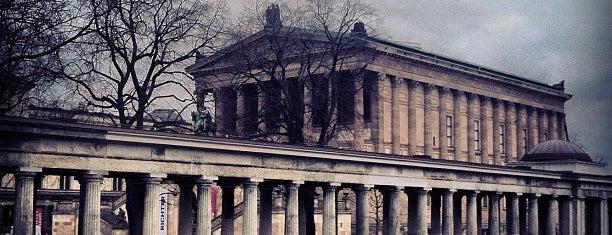 Museum Island is one of I Love Berlin!.