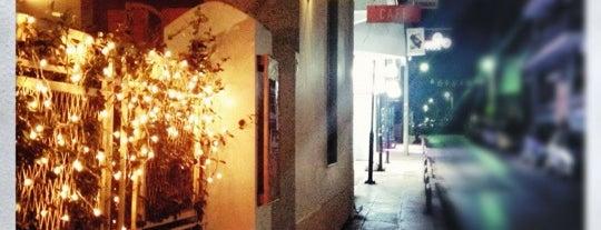 Κόκκινη Σβούρα is one of Live in Athens.