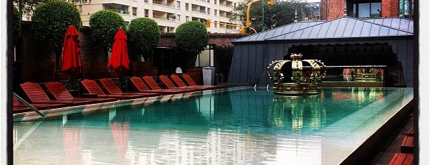 Pool Bar is one of Coolplaces Bsas.