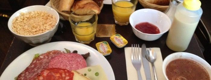 Le Café qui Parle is one of Brunchs.