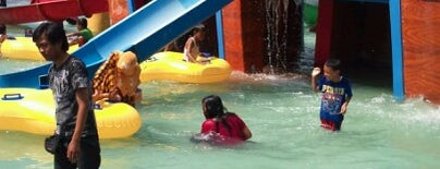 Bahari Waterpark is one of Wisata Jateng DIY.