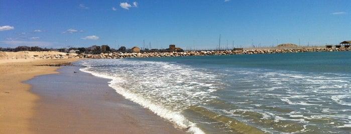 Playa de Los Náufragos / Poniente is one of Playas.
