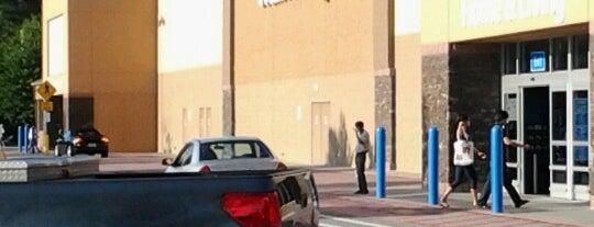 Walmart Supercenter is one of The Regulars.