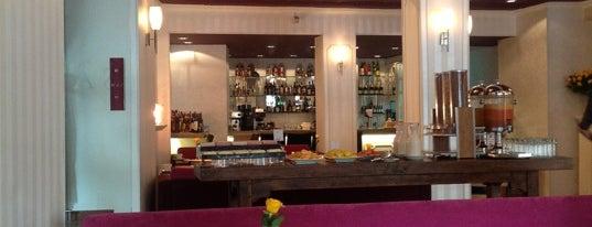 Café NAS is one of La Candelaria.