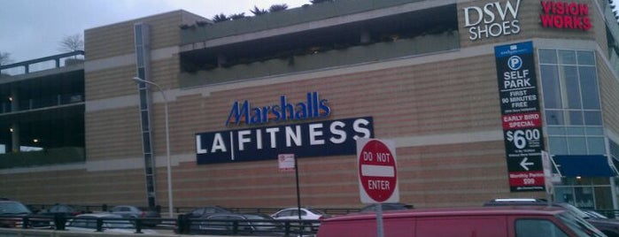 LA Fitness is one of South Loop Gyms.