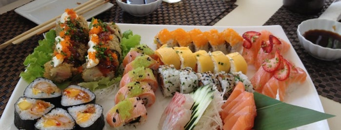 Sushihana Sushi Bar is one of Restaurantes.