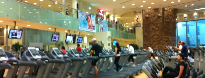 Sport City Fitness Club is one of DF.