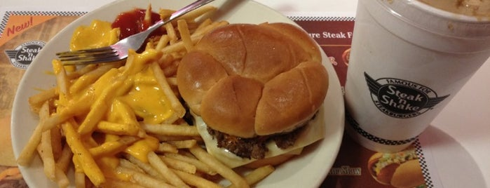 Steak 'n Shake is one of Out & About around Aventura.