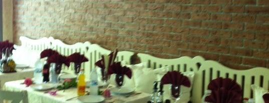 Bar & Dinner FIORE 21 is one of nom-nom.