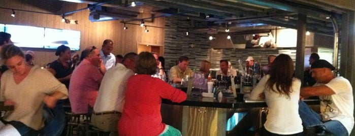 G&B Oyster Bar is one of Fort Lauderdale.