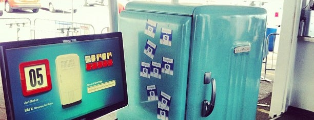 GE Social Fridge is one of #squareBuckets.