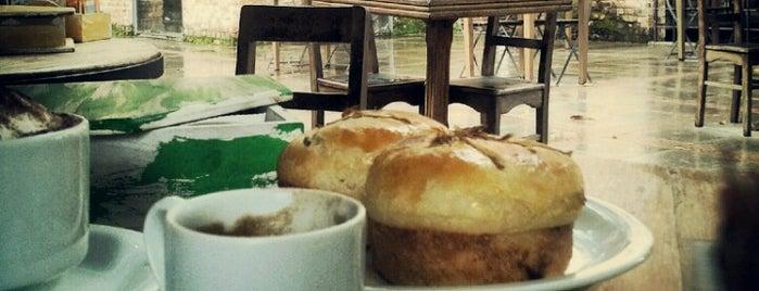 Café das Ruínas is one of 10 lugares aconchegantes para tomar café da manhã..