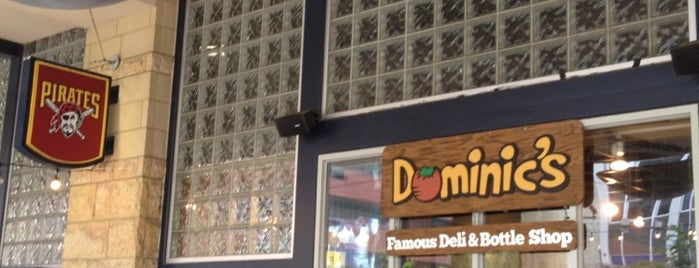 Dominic's Famous Deli & Bottle Shop is one of Meus lugares.