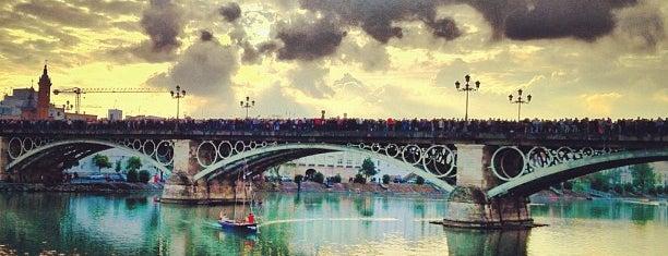 Isabel II Bridge 'Triana Bridge' is one of Los 5 lugares más románticos de Sevilla.