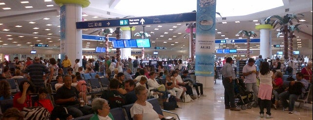 Aeropuerto Internacional De Cancún (CUN) is one of Free WiFi Airports.