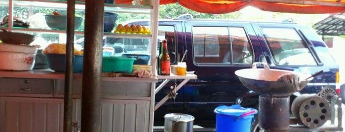 Nasi Goreng Pak Suyud is one of Food Spots @Bandung.