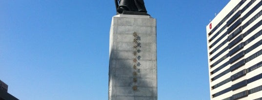 The Statue of Admiral Yi Sunsin is one of เที่ยว Soul, Korea.