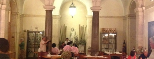 Casa Bleve is one of Roma - a must! = Peter's Fav's.