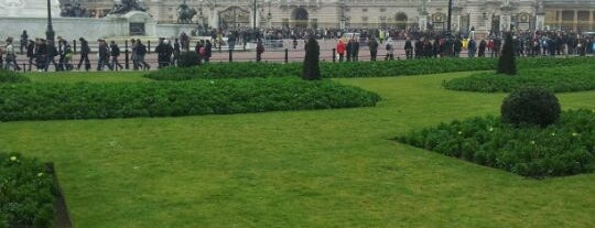 Buckingham Palace Gardens is one of Best places in London, United Kingdom.