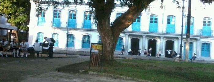 Colégio Estadual Paes de Carvalho is one of Lugares preferidos.