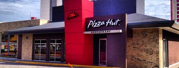 Pizza Hut is one of Restaurantes Venezuela.