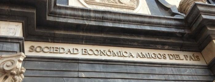 Sociedad Económica Amigos del País is one of Qué visitar en Málaga.