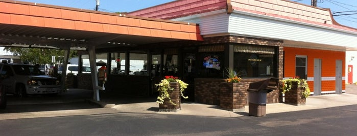 Rudy's Drive In is one of Mill City Love.