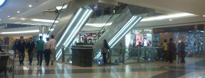 Mantri Square is one of Bangalore Hot Spots.