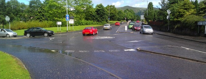 Hallpark Mini Roundabout is one of Named Roundabouts in Central Scotland.