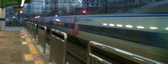 Namyeong Stn. is one of Subway Stations in Seoul(line1~4 & DX).