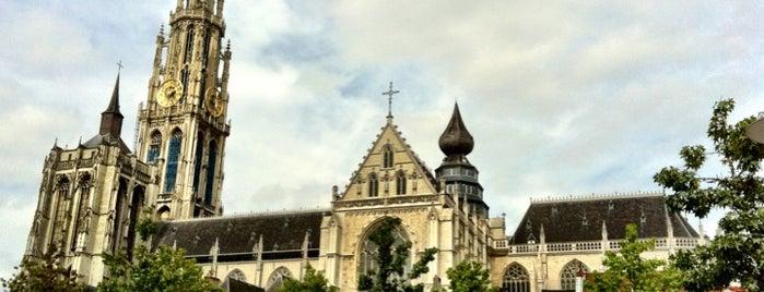 Onze-Lieve-Vrouwekathedraal is one of Uitstap idee.