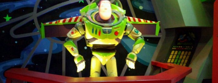 Buzz Lightyear's Space Ranger Spin is one of Disney World!.