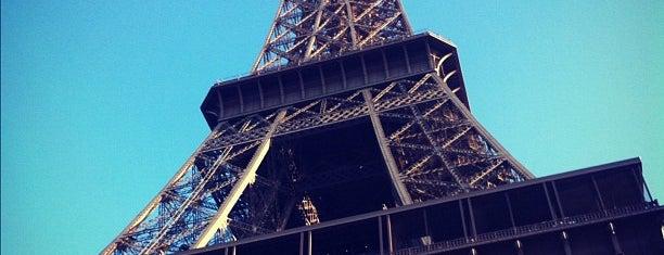 Three Jane's Guide to Paris