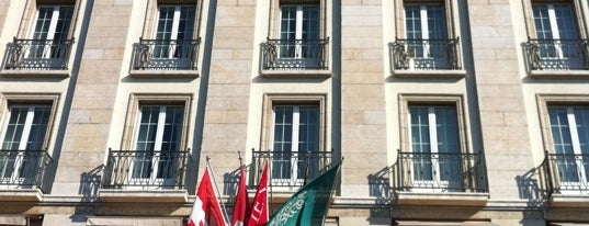 Four Seasons Hotel des Bergues Geneva is one of Your local guide to Geneva.