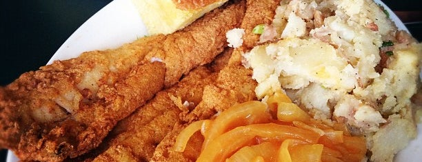 Croaker's Spot Restaurant is one of Favorite Restaurants.