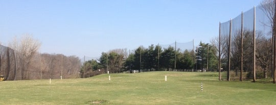 Dunwoodie Golf Course is one of Golf Course & Driving range arround NYC.