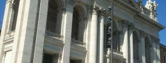 Basilica di San Giovanni in Laterano is one of La Dolce Vita - Roma #4sqcities.