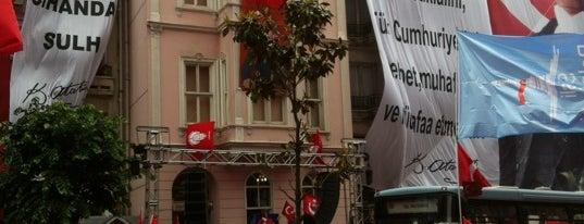 Atatürk Müzesi is one of Istanbul City Guide.