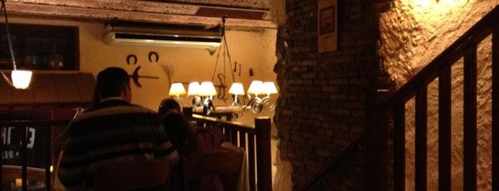 El Trispolet is one of llocs de valls on menjar, prendre un cafè o copa.