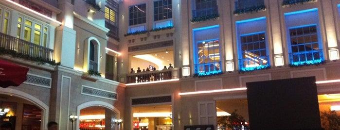 Resorts World Manila is one of Manila.