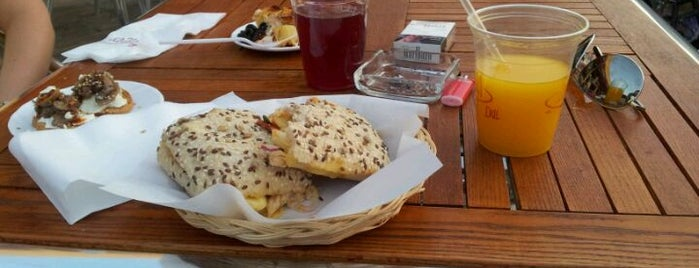 Boca 21 Deli is one of TO EAT LIST GUADALAJARA.