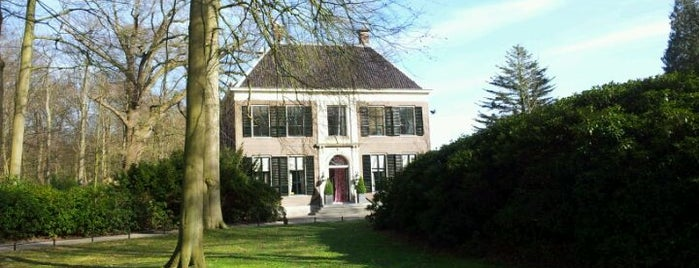 Gooilust is one of Buitenplaatsen 's-Graveland.