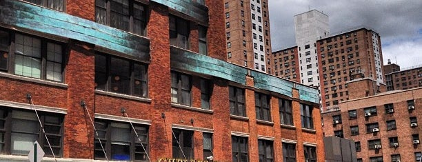 Chelsea Market is one of Places to visit NYC 2013.