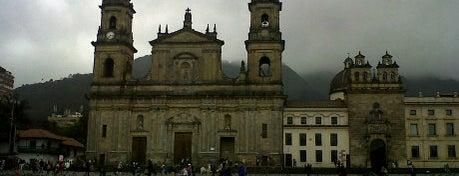 Plaza de Bolívar is one of Lugares en Colombia!!!! :D.
