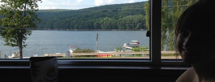 Brenda's Pizzeria is one of Deep Creek Lake.