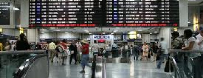 New York Penn Station is one of Meus lugares.