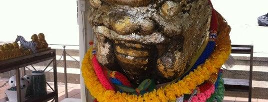 ศาลสิงห์โตทอง is one of Holy Places in Thailand that I've checked in!!.