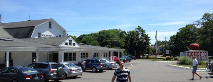 Bishop's Orchards Farm Market & Winery is one of Connecticut Farm Wineries 2012 Passport.
